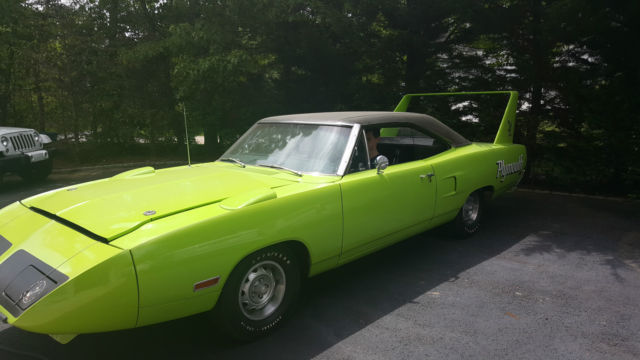1970 Plymouth Superbird (Lime Green/Black)