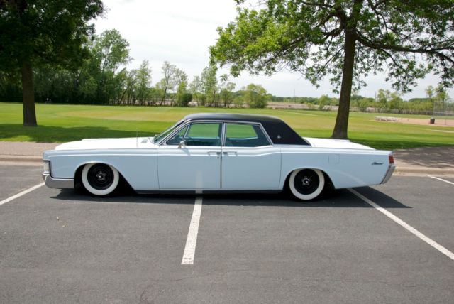 seller of classic cars 1968 lincoln continental blue blue. Black Bedroom Furniture Sets. Home Design Ideas