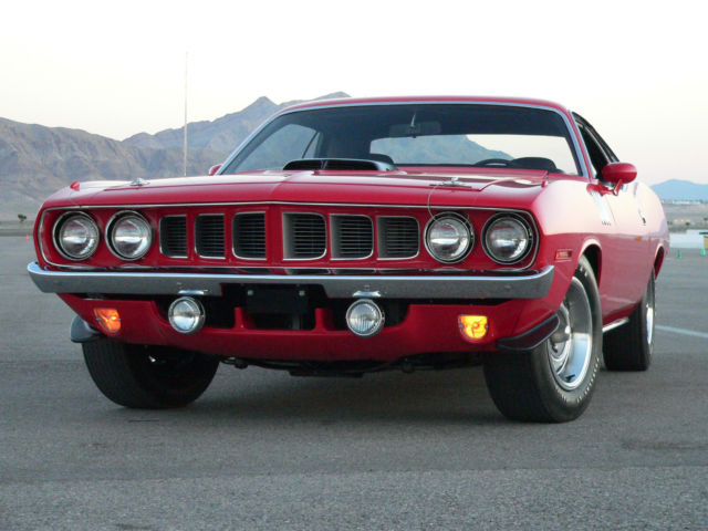 1971 Plymouth Barracuda (Red/Black)