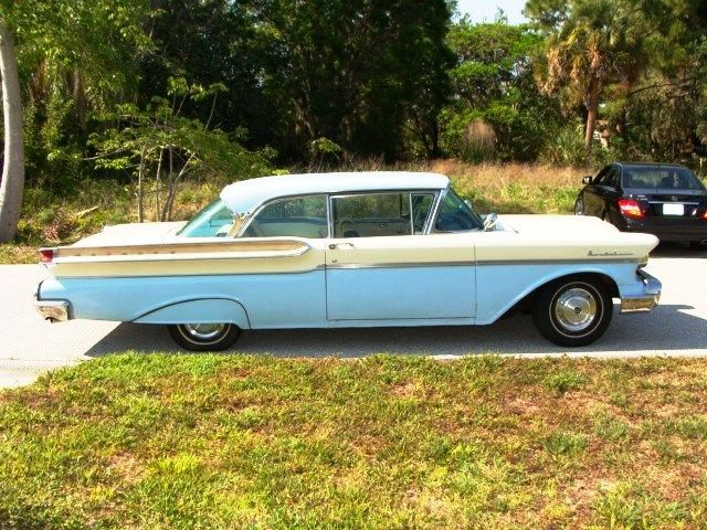 1957 Mercury Montclair (Blue/White/Blue/White)