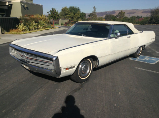 1969 Chrysler 300 Series (White/White)