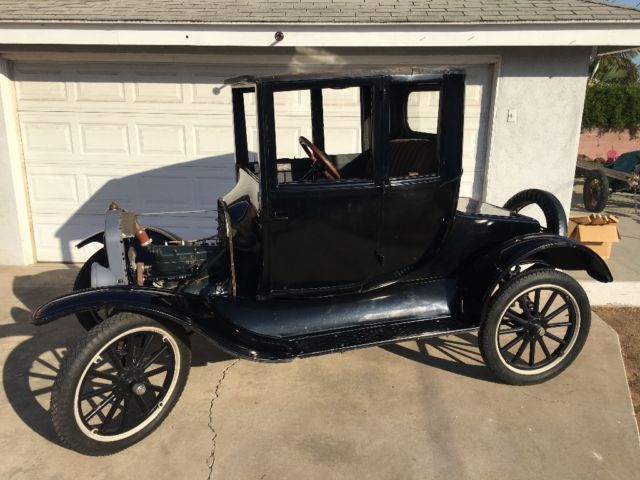 1923 Ford Model T (Black/Brown)