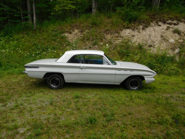 Seller Of Classic Cars 1962 Buick Skylark White Black