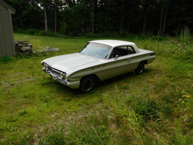 Seller Of Classic Cars 1962 Buick Skylark White Black