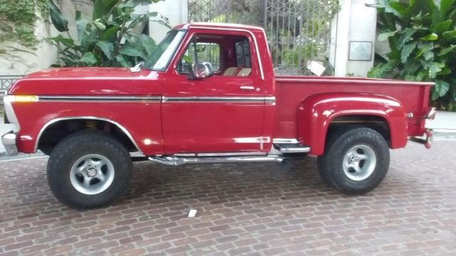 1978 Ford F-150 (Candy apple RED/RED and Cream)