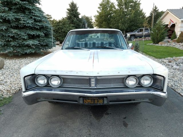 Seller of Classic Cars - 1967 Chrysler Newport (White/Blue)