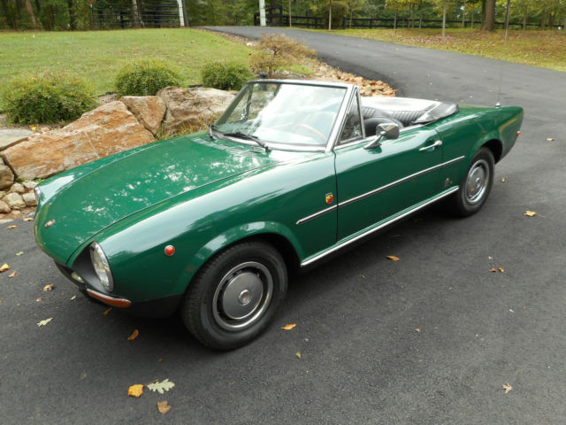 1968 Fiat 124 Spider (Green/Black)