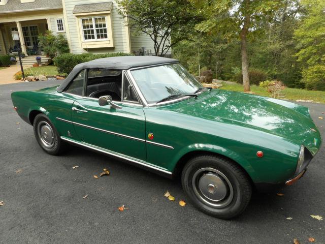 seller of classic cars 1968 fiat 124 spider green black. Black Bedroom Furniture Sets. Home Design Ideas