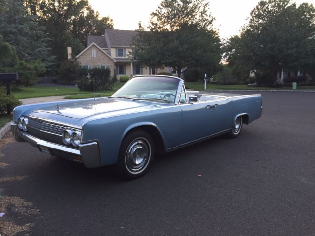 seller of classic cars 1963 lincoln continental blue white. Black Bedroom Furniture Sets. Home Design Ideas