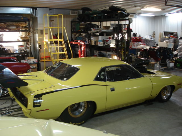 Seller of Classic Cars - 1970 Plymouth Barracuda (Yellow/Black)