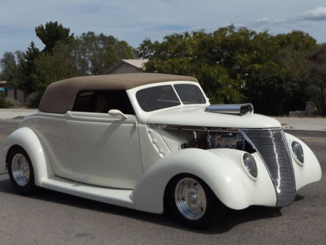 1937 Ford Cabriolet (Cream/ off white/ chrome/Tan)