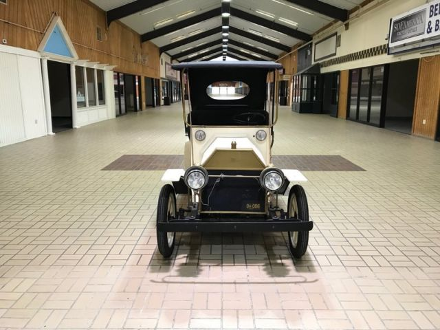 1912 Gould CAR AMUSEMENT PARK RIDE REPLICA 1912 (White/--)