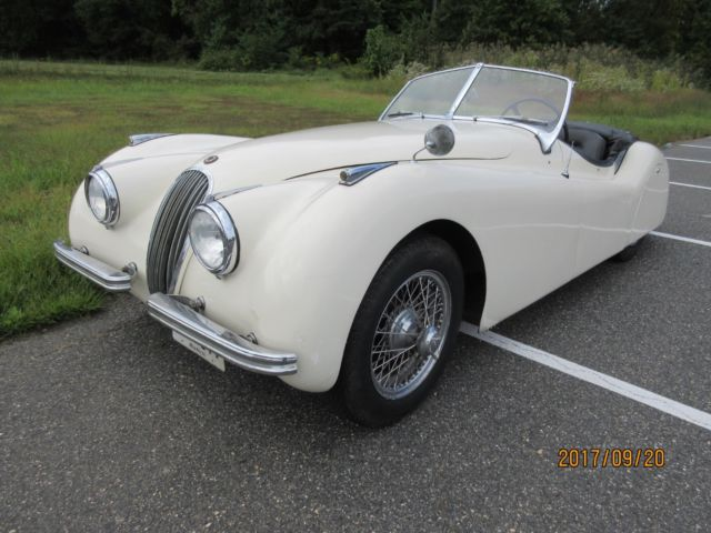 1951 Jaguar XK (white/Blue)