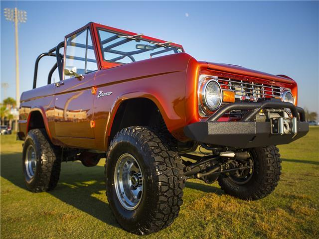 1971 Ford Bronco (Sunbrust Copper/Black)
