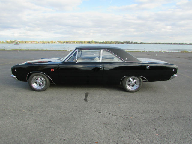 1968 Dodge Dart (Black/White)