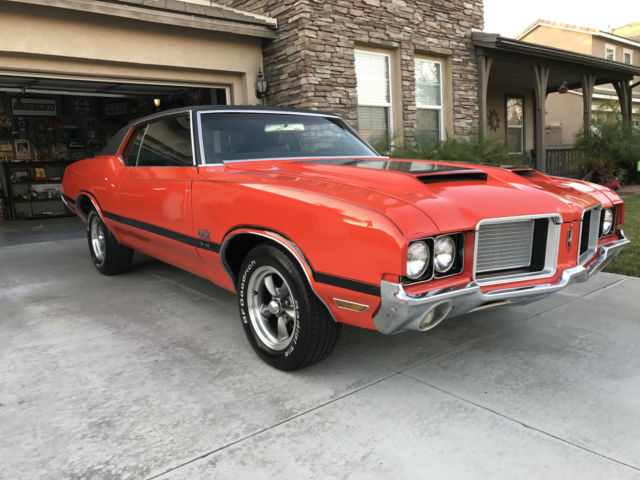 1972 Oldsmobile 442 (FLAME ORANGE/BLACK)