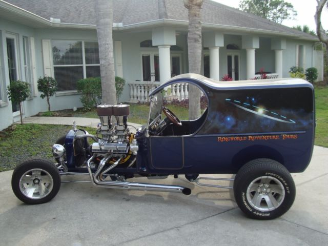 1923 Ford Model T (Blue/Champagne)
