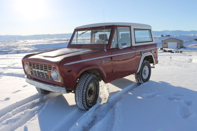 1972 Ford Bronco (Red/White)