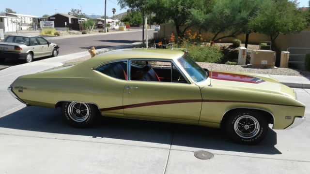 1969 Buick Skylark (Red with white top/Red)