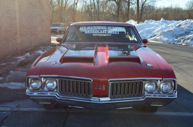 1970 Oldsmobile 442 (Matador Red/Black)