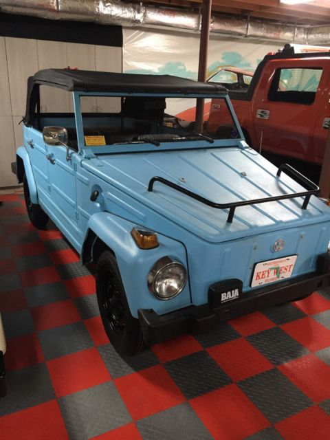 1973 Volkswagen Thing (BLUE 12 QUARTS RHINO LINER FOREVER PAINT/Parchment)