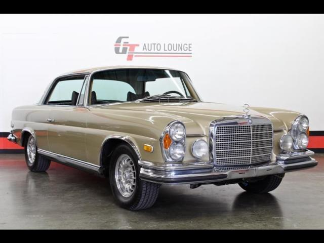1971 Mercedes-Benz 200-Series (Other/Brown)