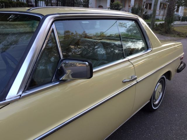1974 Mercedes-Benz 200-Series (DB 606 Maple Yellow (ahorngelb)/Parchment LEATHER)