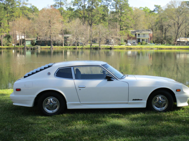 1976 Datsun Z-Series (White/Black)