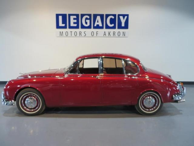 1960 Jaguar MKII (Red/Red)