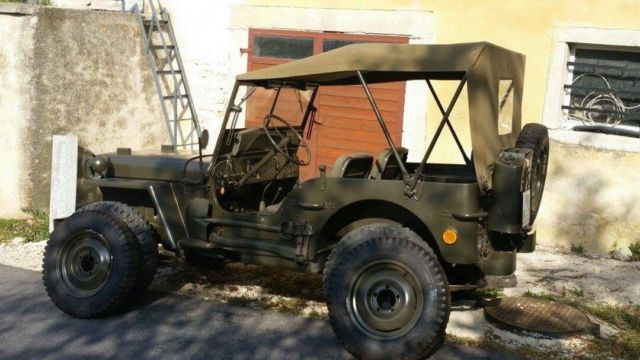 1945 Jeep Willys (Green/Green)