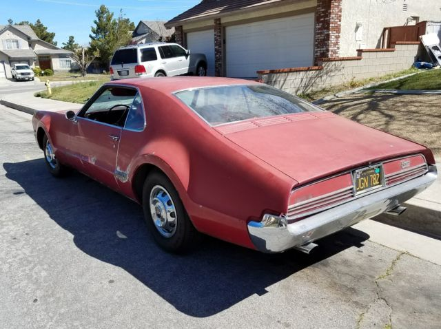 1966 Oldsmobile Toronado (Red/Burgundy)