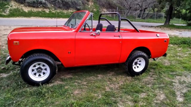 1977 International Harvester Scout (Dark Orange/Black & Orange)