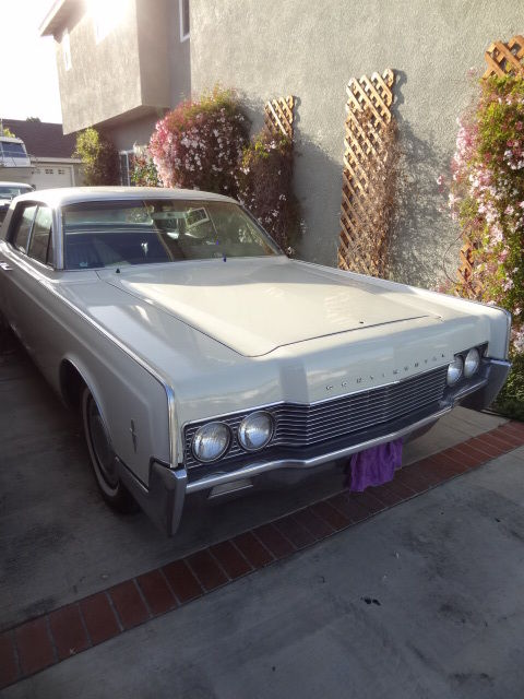 seller of classic cars 1966 lincoln continental white blue. Black Bedroom Furniture Sets. Home Design Ideas