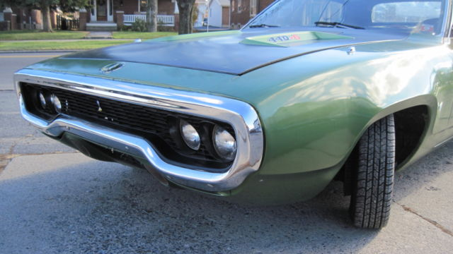 1971 Plymouth Road Runner (Green/White)