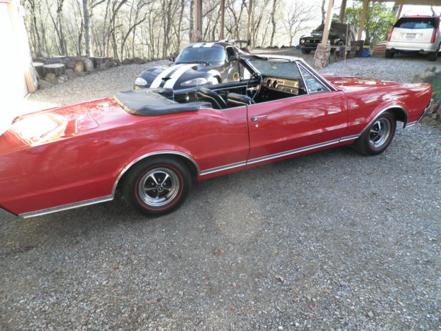1967 Oldsmobile 442 (Red(Spanish red)/Black)