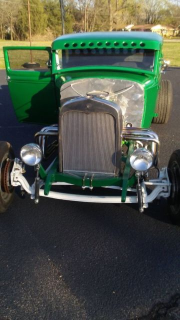 1931 Ford Model A (Green/Black)