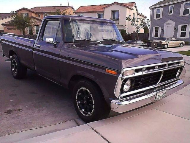 1974 Ford F-250 (Metalic Grey/Black/Grey)