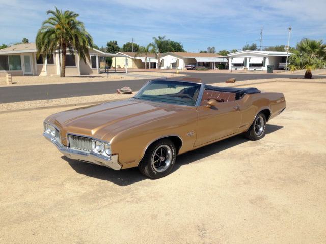 1970 Oldsmobile 442 (Galleon Gold/Burnished Saddle)