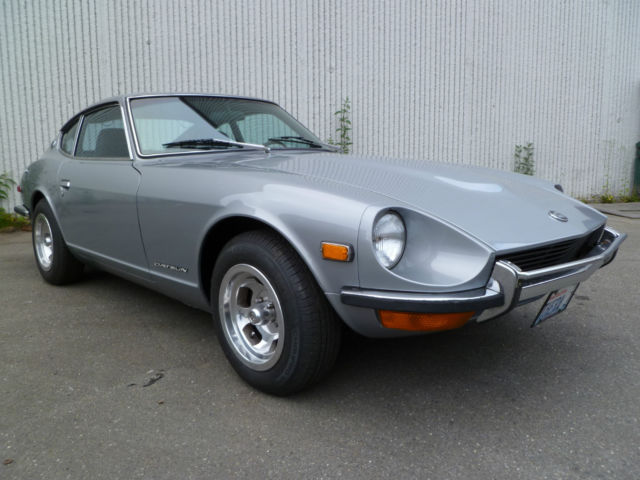 1971 Datsun Z-Series (Red/Blue)