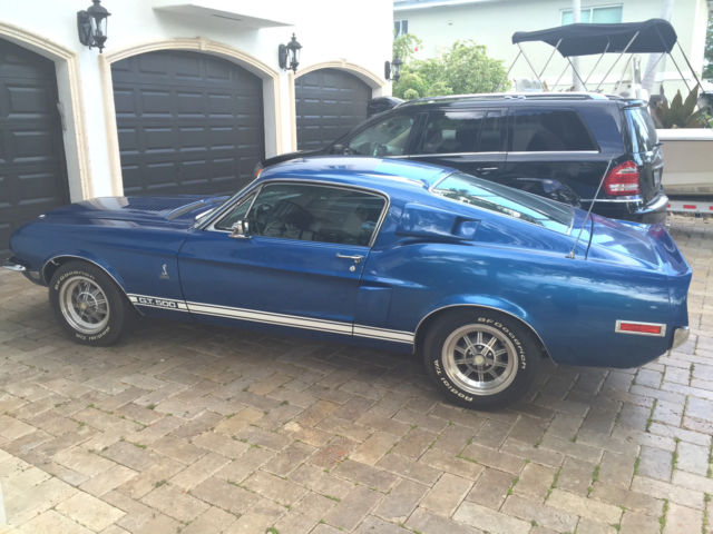 1968 Shelby GT500 Fastback (Medium Blue/Black)