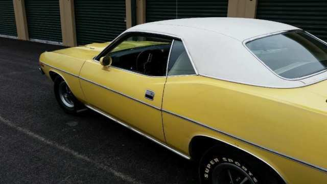 1973 Plymouth 'Cuda (Yellow/White)
