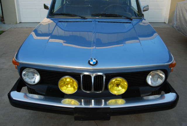 1974 BMW 2002 (FJORD BLUE/NAVY)