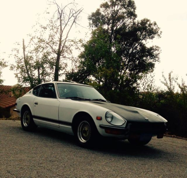 1971 Datsun Z-Series (racing white/Black)