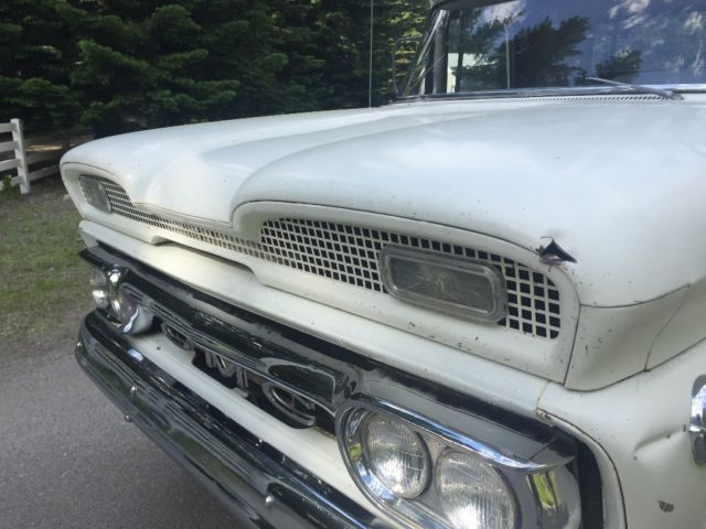 1960 GMC 1000 (White/Gray)