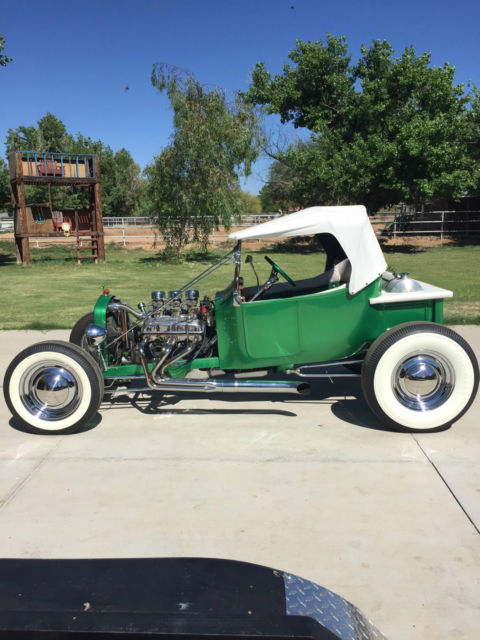 1923 Ford Model T (Green w/ flakes/White)