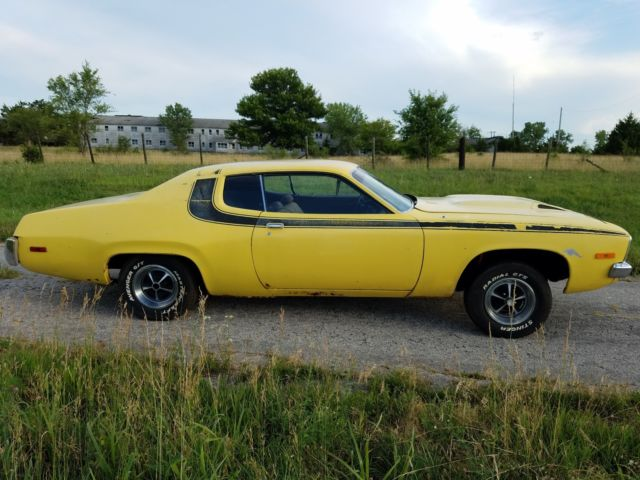 1973 Plymouth Road Runner (yellow/Black)