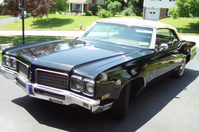 1970 Oldsmobile Eighty-Eight (Black/Gold)