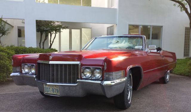 Seller of Classic Cars - 1970 Cadillac DeVille (Red/White)
