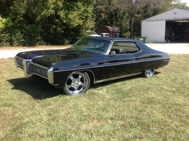 1968 Pontiac Grand Prix (Black/Gold)