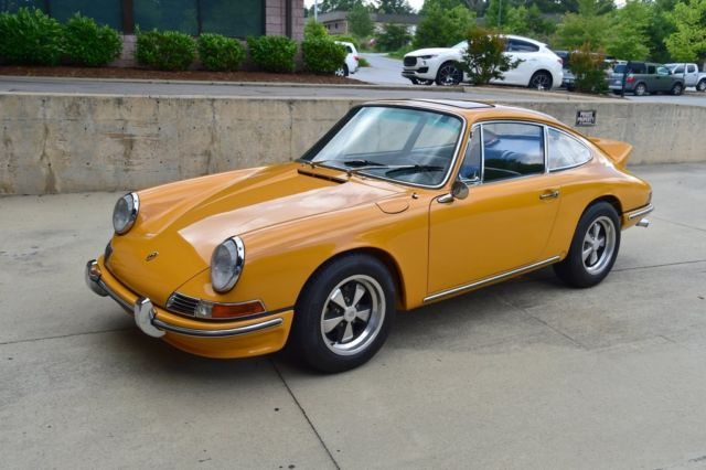 1966 Porsche 912 (Bahama Yellow/Black)